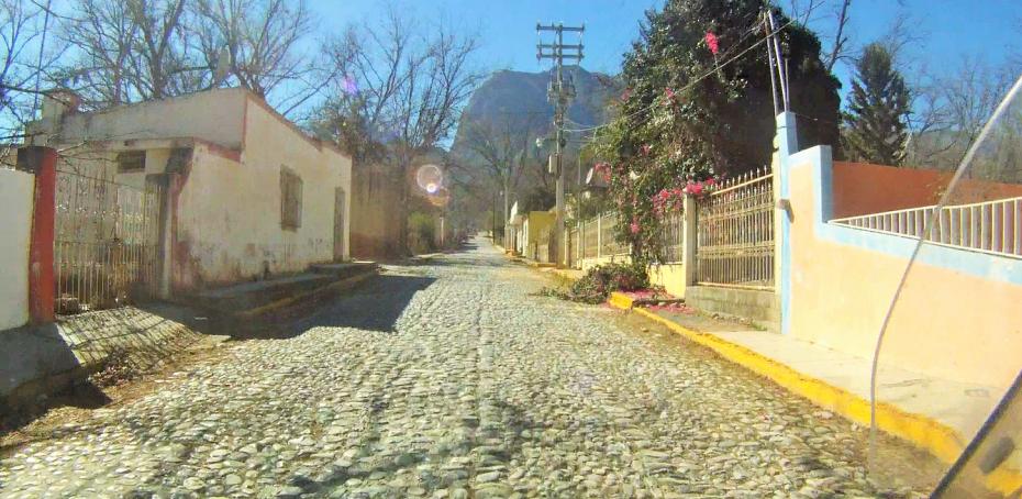 cobblestone streets of Rayones