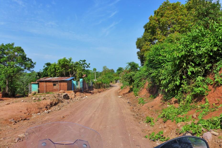 dirt roads lead out of El Imposible park