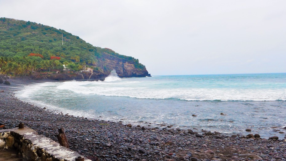 beach in El Zonte is known for its surfing