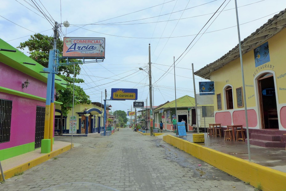 rolling into Moyogalpa where the ferry departs for the mainland