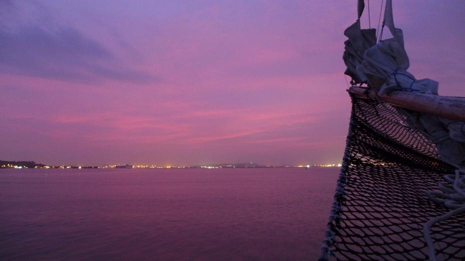 5:30 sunrise arrival to Cartagena