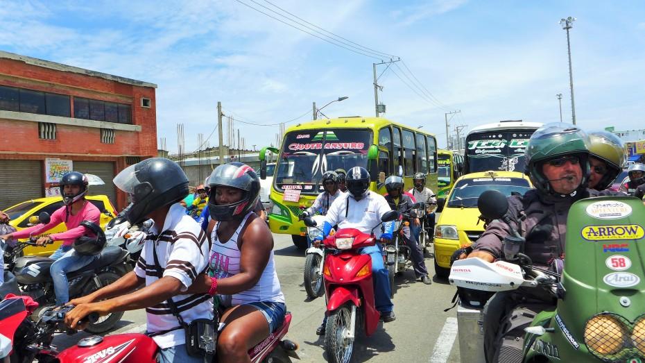 motos motos motos everywhere in Colombia