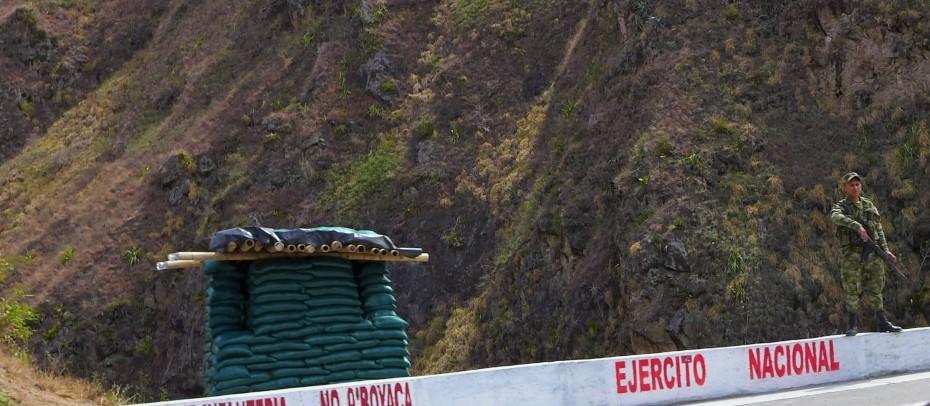 military presence thickens near the Ecuador border