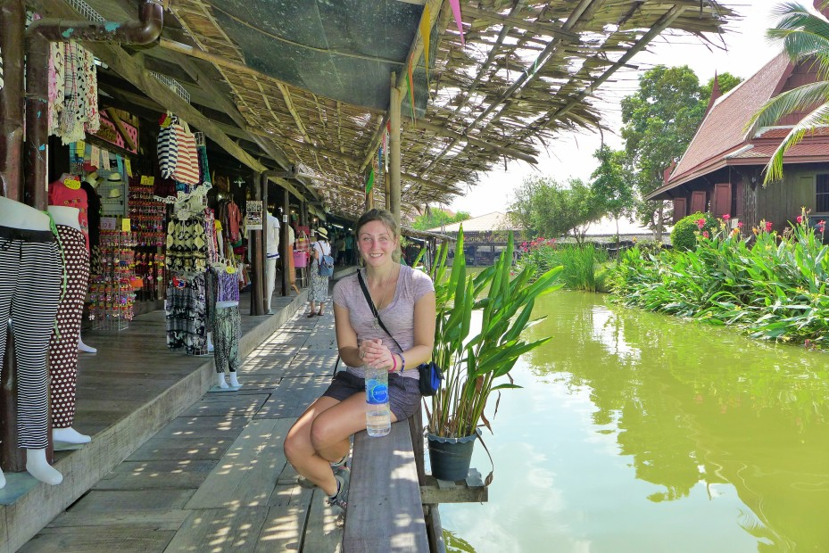 chilling at the floating market