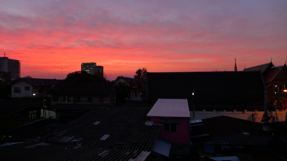 if the sunsets are like this every night we wont want to leave Chiang Rai.