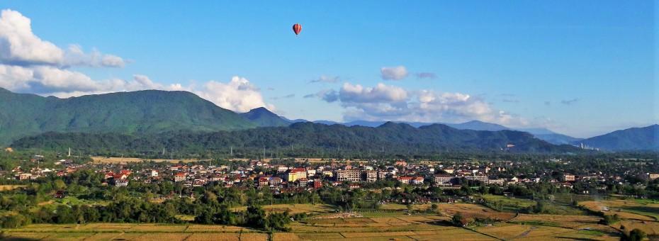 Vang Vieng below