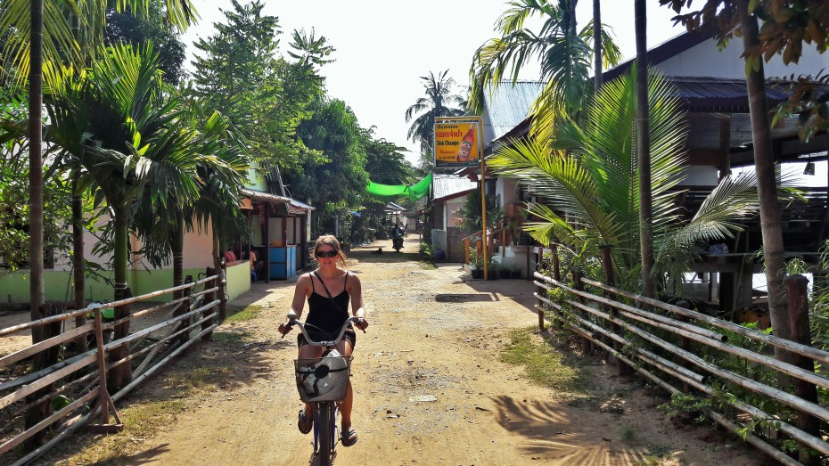 Slow riding the dirt paths around Don Khon